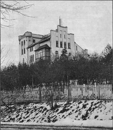 Institut für Geophysik zwischen 1902 und 1906, zu der Zeit also, in der Wiechert und sein Team Göttingen zum Zentrum der seismischen Forschung machten.